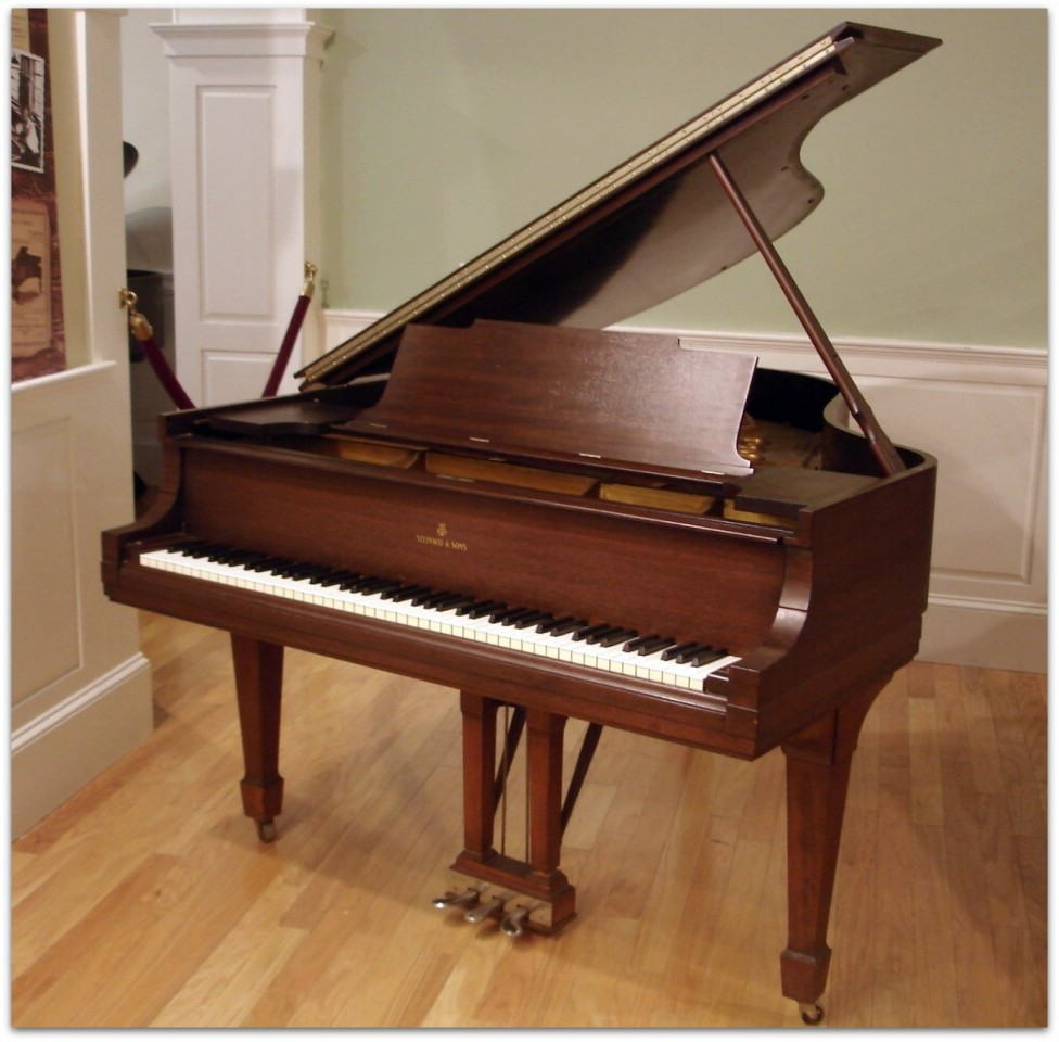How To Choose A Mahogany Piano Bench Determine The Right