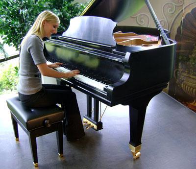 Jansen petite artist bench for Baby grand piano height